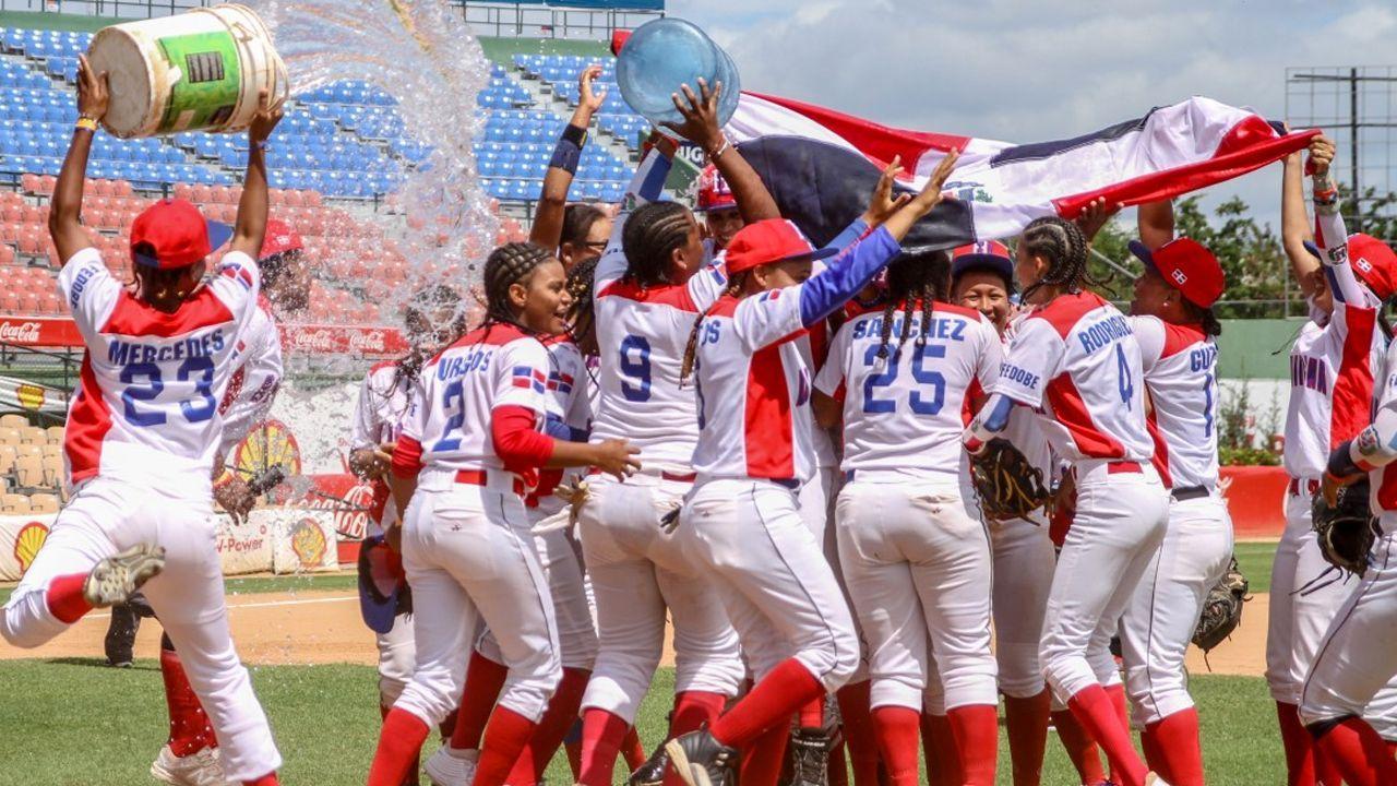 RD béisbol femenino escala tres puesto en el ranking WBSC; ocupa el sexto lugar