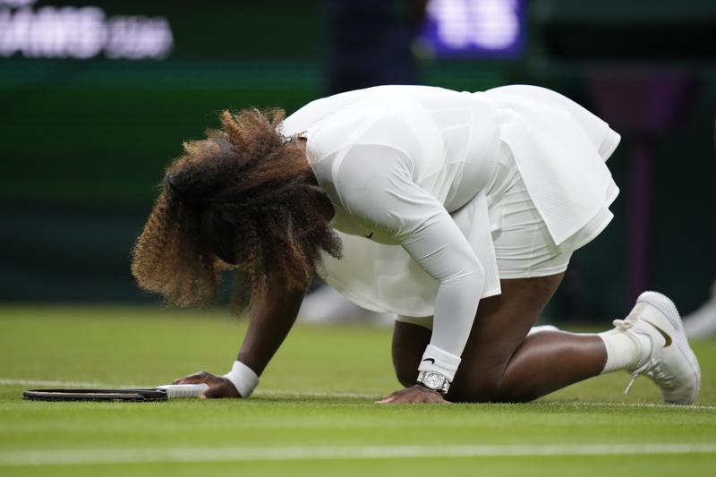 Serena Williams se despide de Wimbledon por lesión