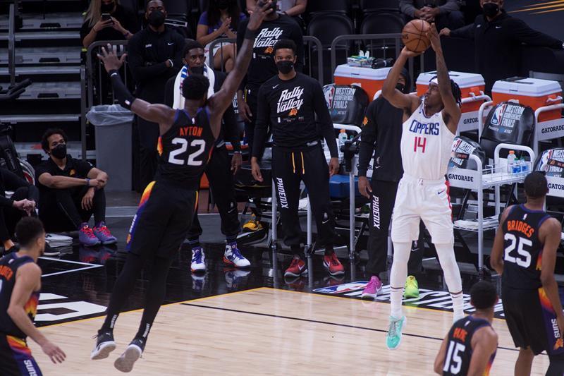 Hawks eliminó a los Sixers; Suns pican delante en final Oeste