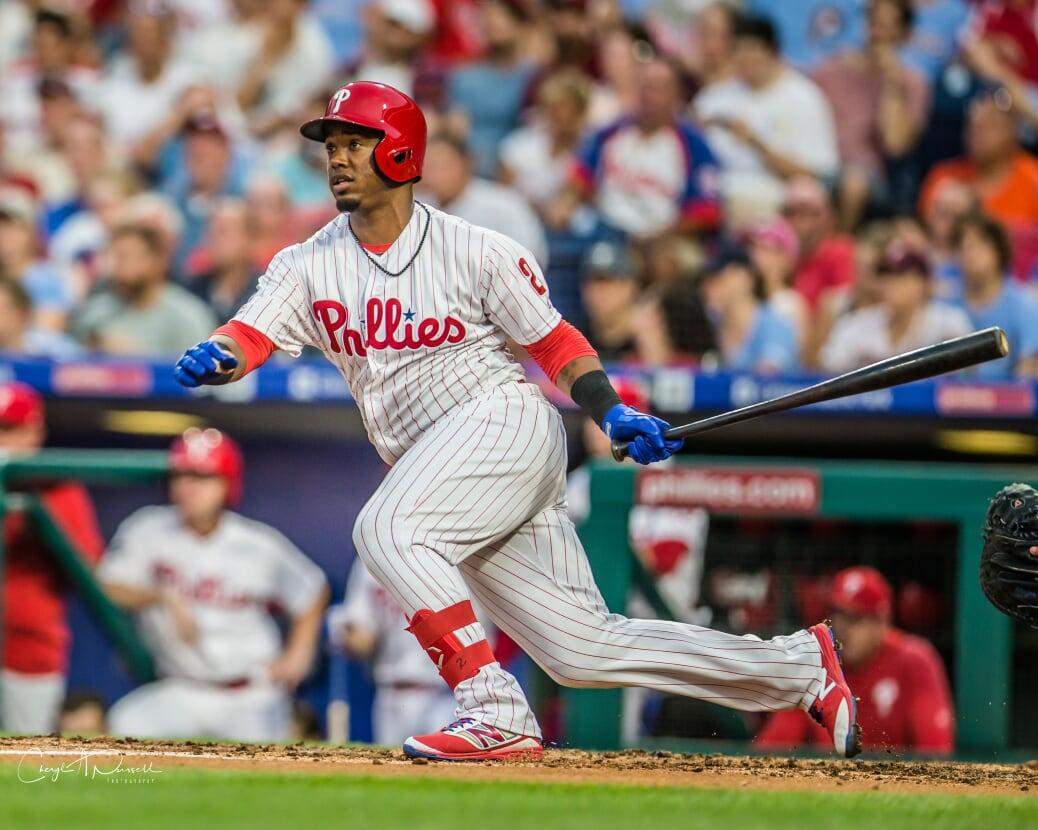 Segura conecta batazo ganador para Phillies dejar en el terreno a Yankees