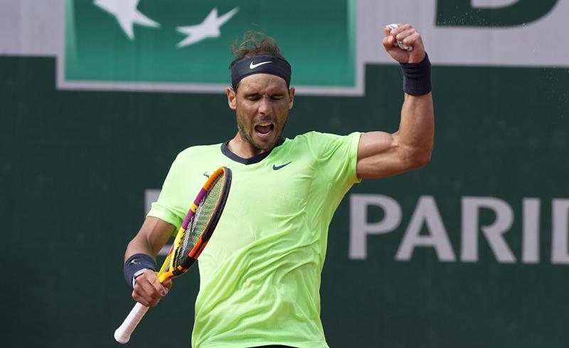 Nadal, Djokovic y Swiatek avanzan en Abierto de Francia