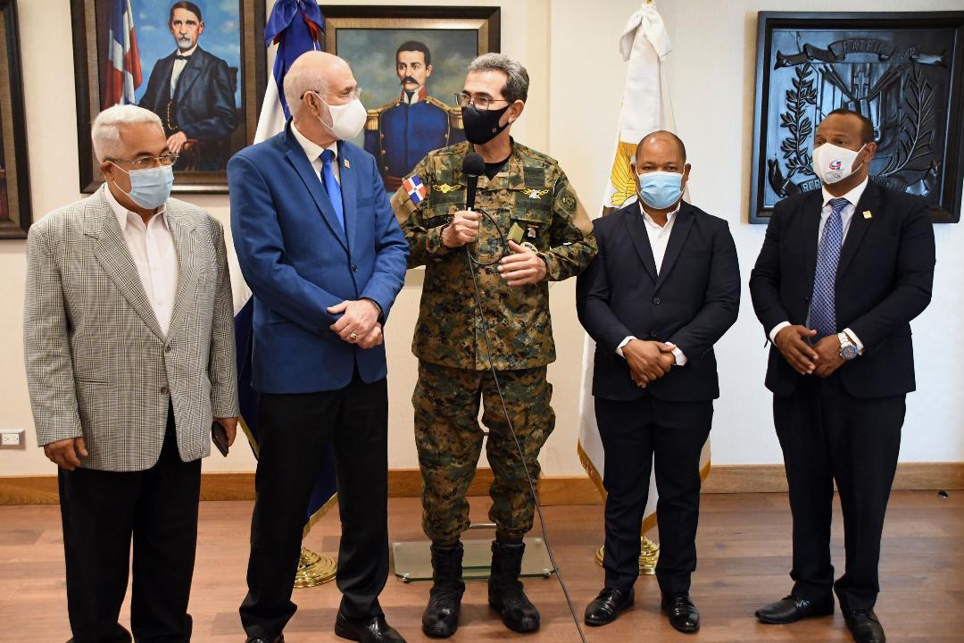 Ministro de Defensa asegura dará apoyo atletas dominicanos