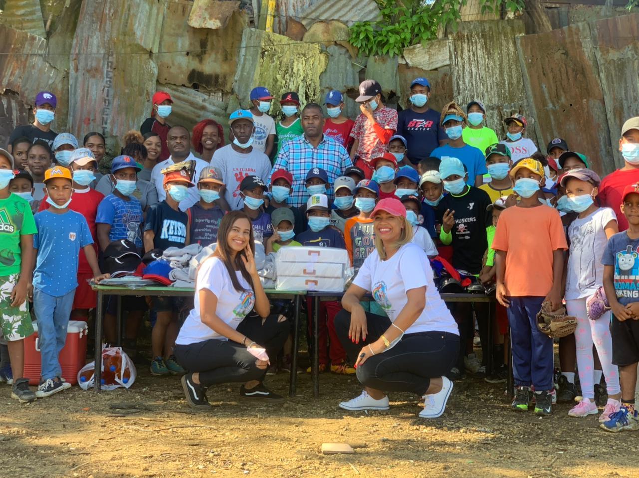 Fundación Las Ovejitas de Dios entrega utilería deportiva en El Majagual