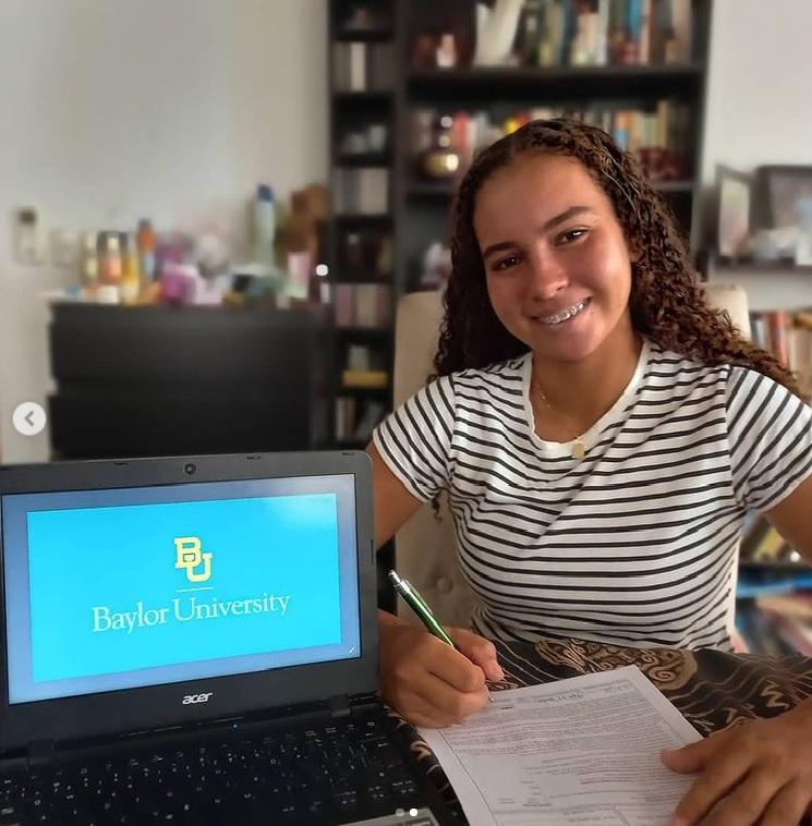 Tenista Ana Zamburek irá a la Universidad de Baylor