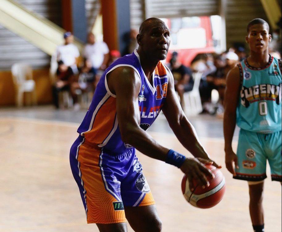 Clubes Calero y Pueblo Nuevo disputarán título en torneo basket superior de SDE
