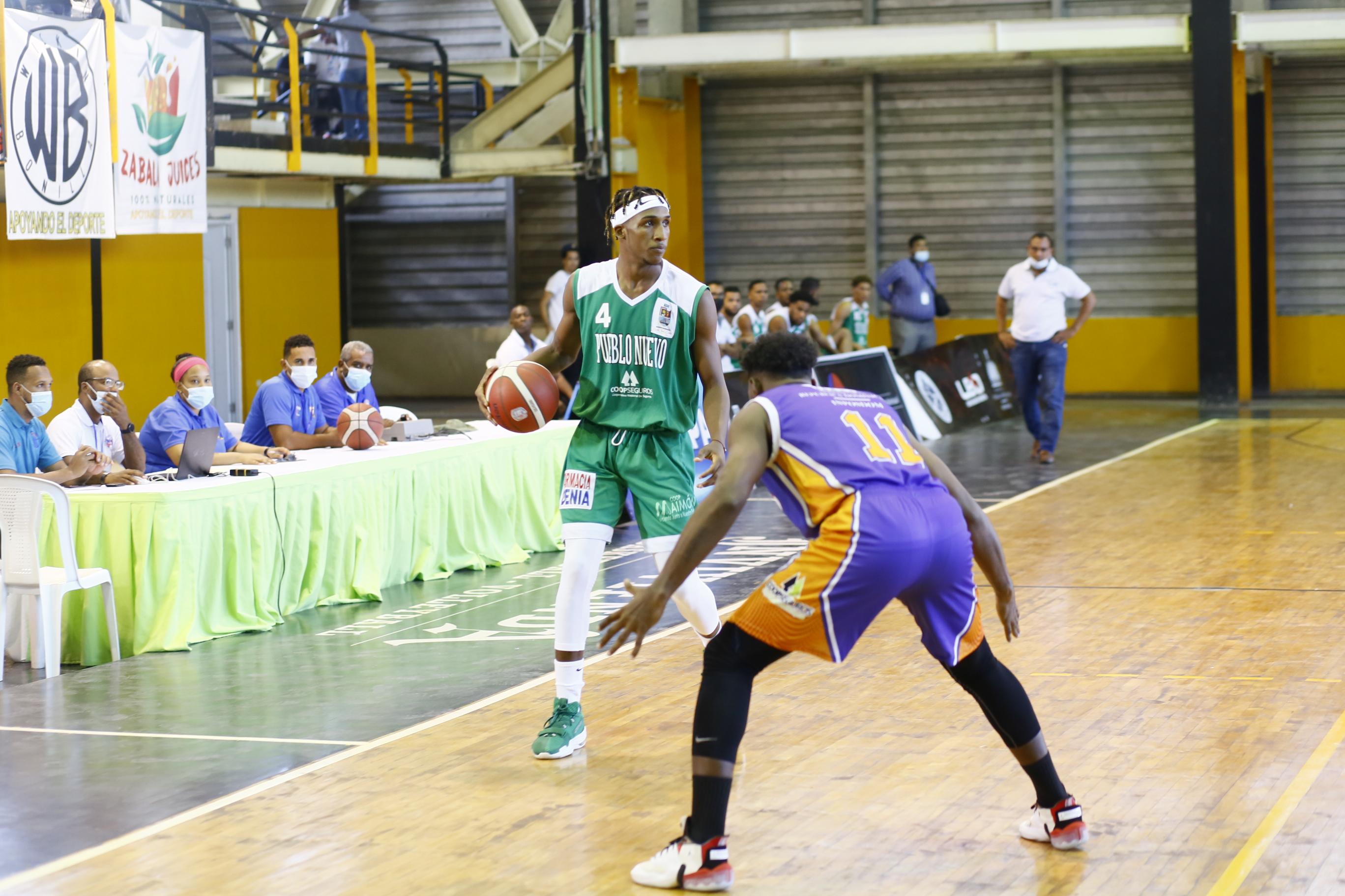 Pueblo Nuevo y Eugenio María de Hostos triunfan inicio serie semifinal torneo basket SDE