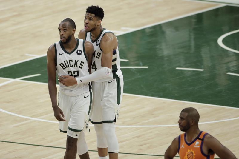 Bucks empatan las Finales ante Suns