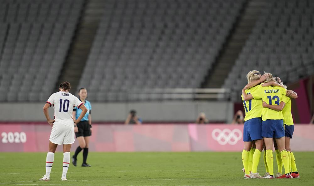 Suecia propina goleada a EEUU; Marta hace historia con Brasil