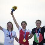 Medallistas olímpicos podrán posar sin mascarilla en podio
