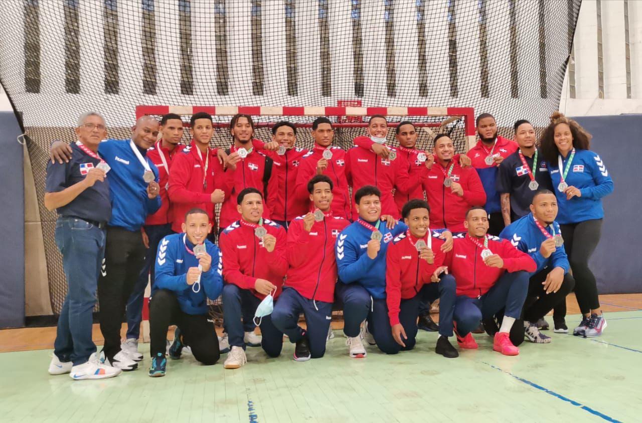 Selección juvenil de balonmano consigue plata y clasificación a Panam Cali