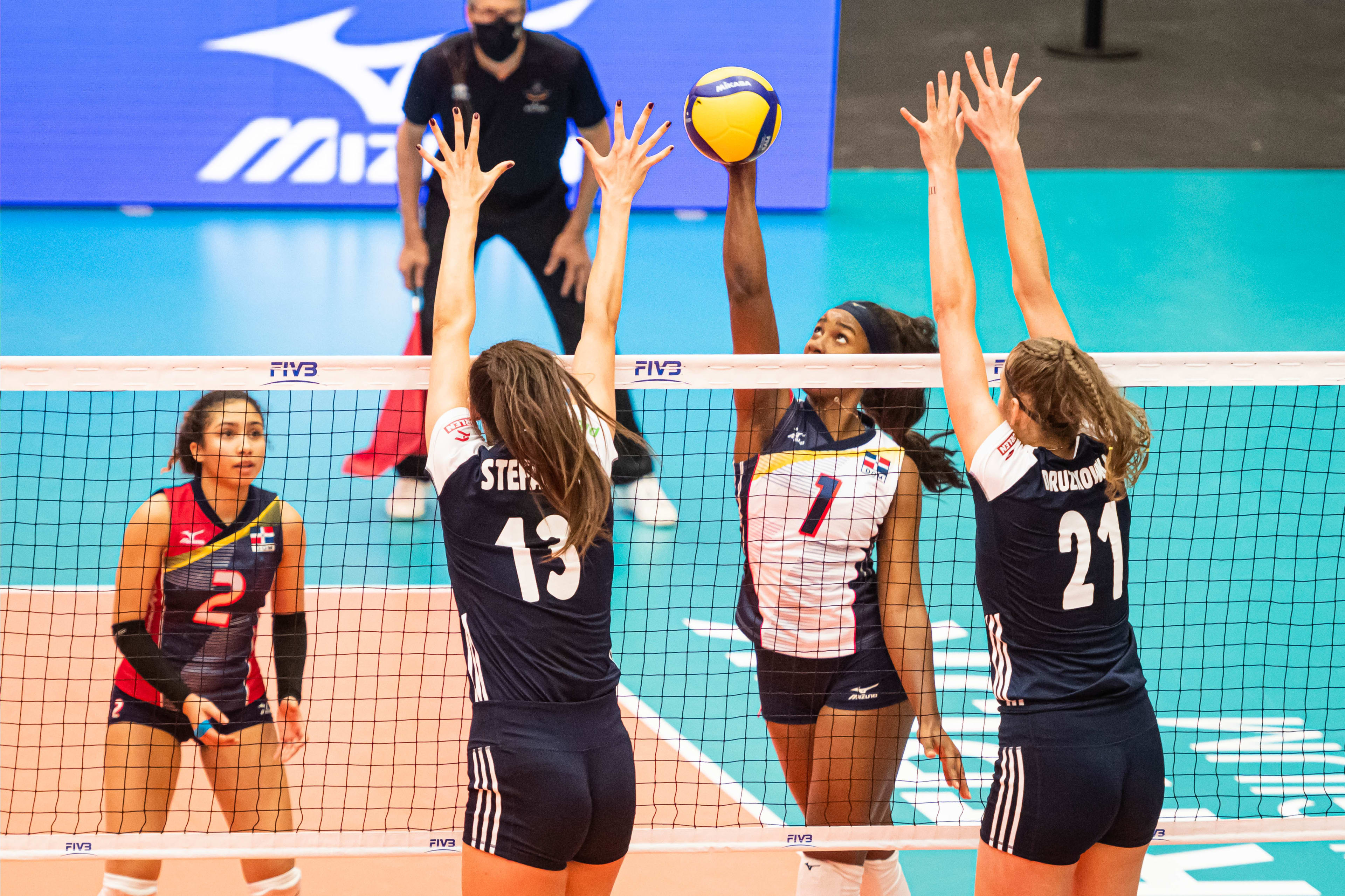 Voleibol femenino sub-20 cae ante sexteto de Polonia
