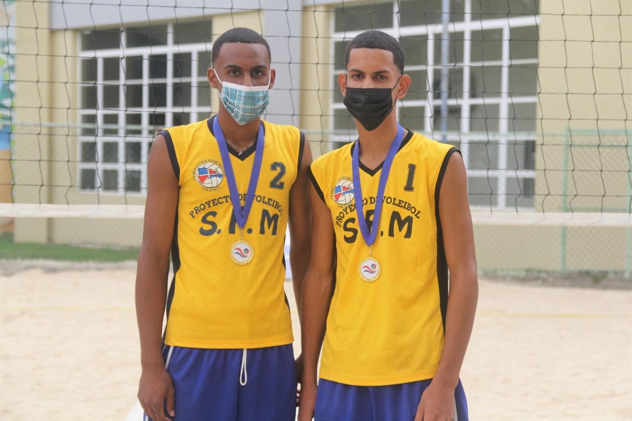 Provincia Duarte y La Romana, campeones torneo voleibol de playa infantil