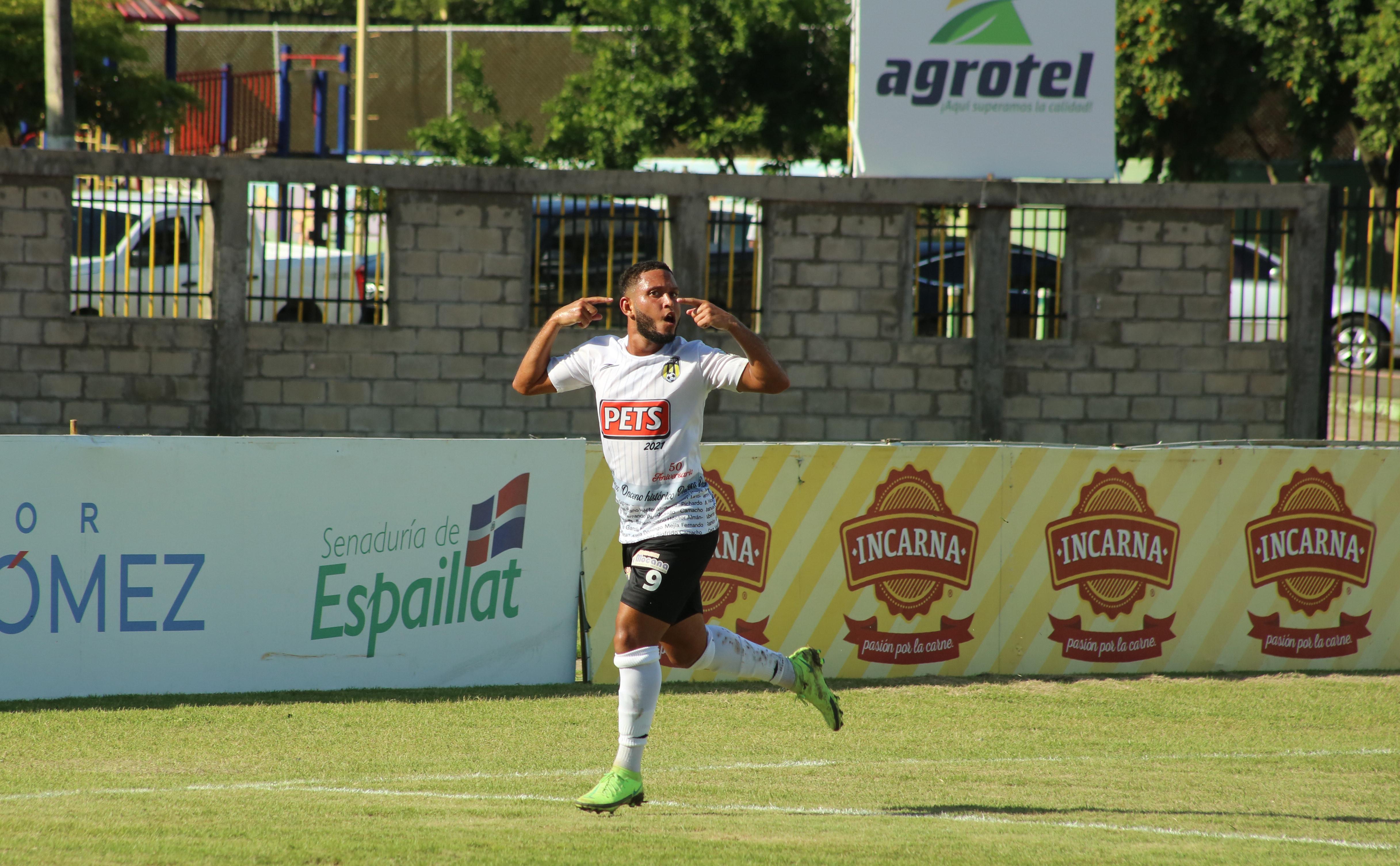 Moca logra primera victoria en Liguilla; Pantoja líder