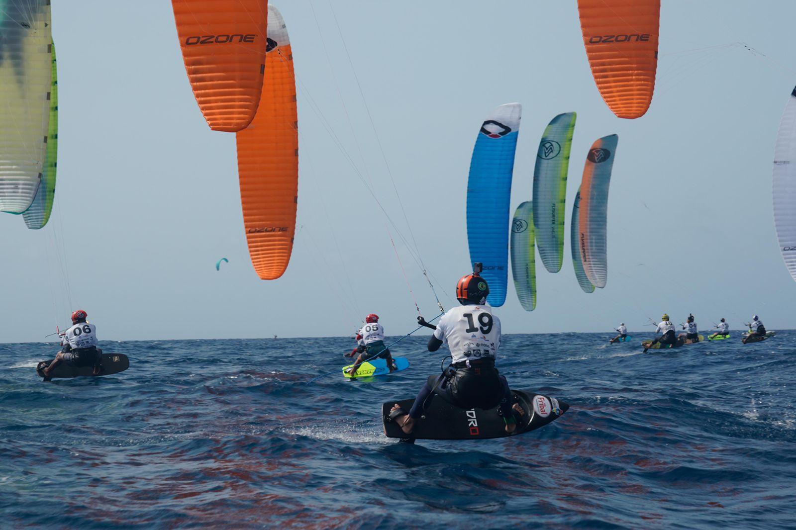 Deury Corniel clasifica a la final Panamericana Regata Kite 2021