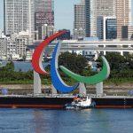 El emblema de los tres ágitos de los Juegos Paralímpicos se exhibirá en la bahía de Tokio