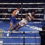Boxeador dominicano hospitalizado tras KO brutal