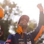 Ricciardo reina en Monza; Verstappen y Hamilton, fuera tras choque