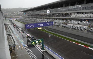 Norris gana la pole en lluvioso GP de Rusia