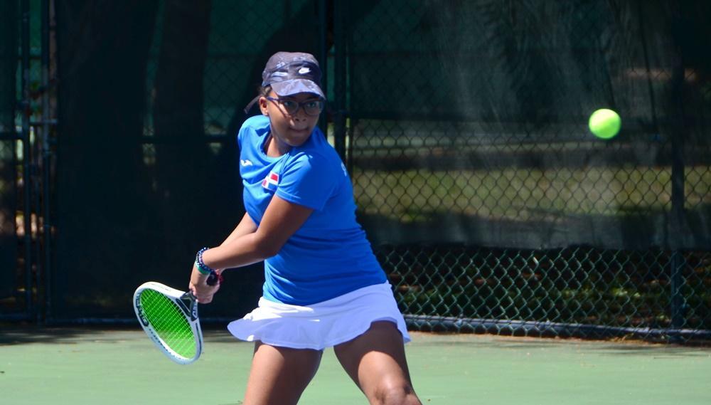 Tres equipos dominicanos siguen invictos en torneo tenis U12