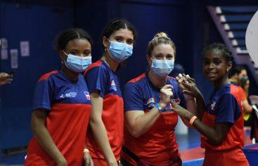 Equipos avanzan en fase de grupos campeonato tenis de mesa