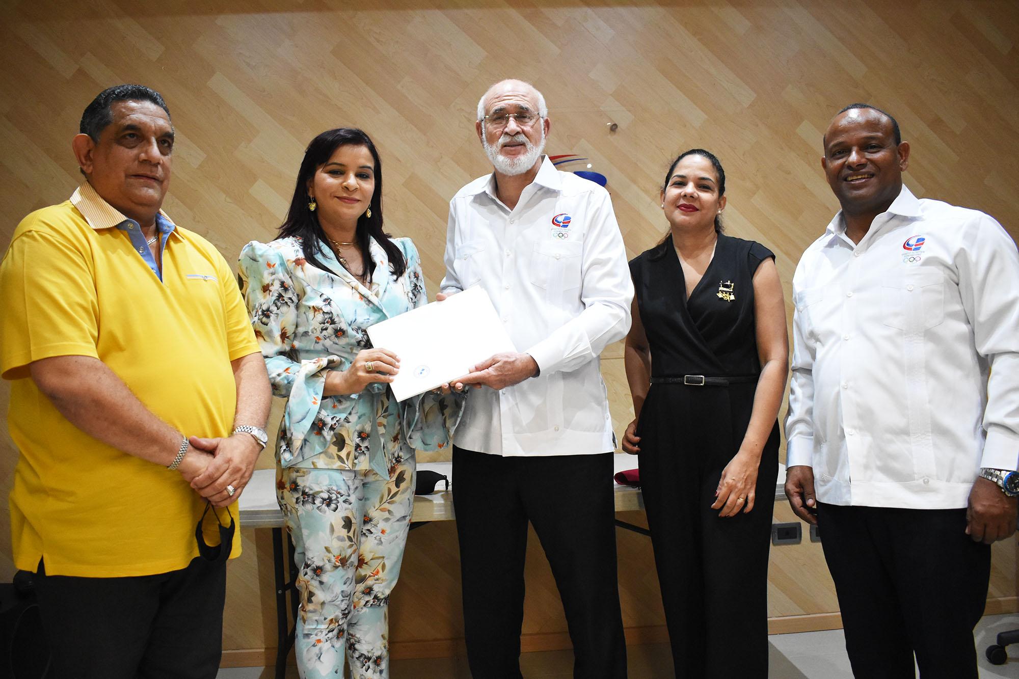 COD recibe propuesta Asociación Dominicana Diseñadores de Moda