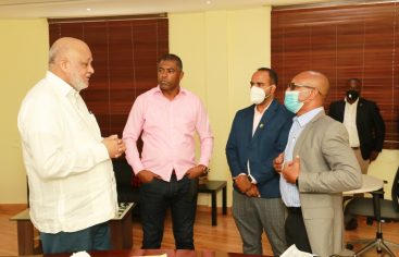 Fulcar recibe detalles técnicos del INEFI sobre inicio año escolar