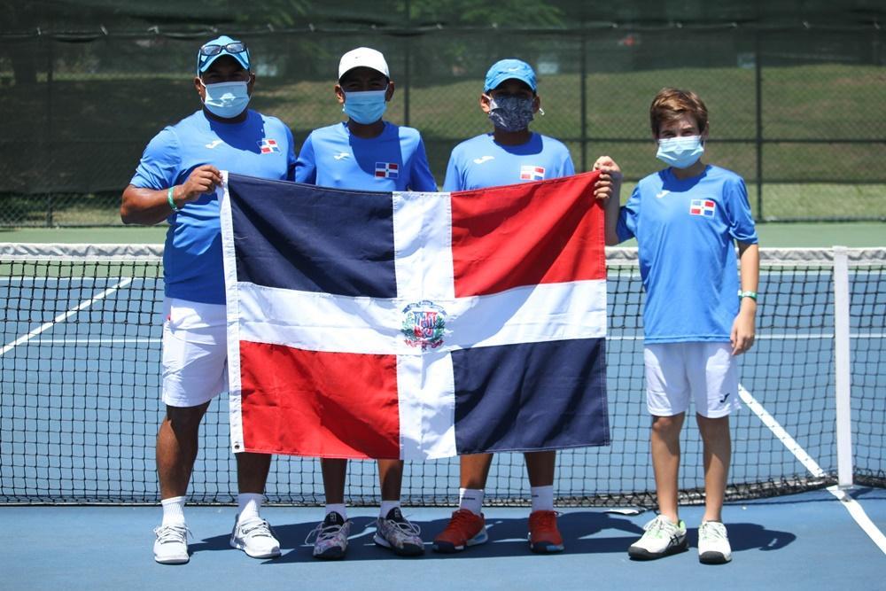 Tres equipos RD mantienen invicto en el torneo U12 de tenis