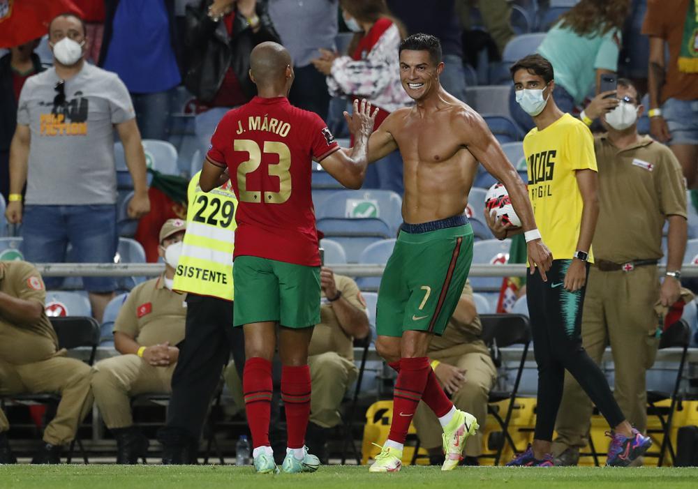Cristiano Ronaldo nuevo rey goleador de selecciones