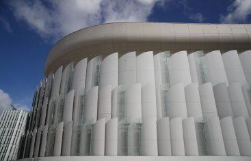 Funcionarios de la FINA inspeccionan las instalaciones acuáticas de París 2024 en visita a Francia