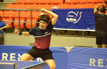 Ramón Vila y Shary Muñoz, campeones Clásico Rolling tenis de mesa