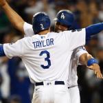 Tres jonrones de Chris Taylor mantienen vivo a los Dodgers