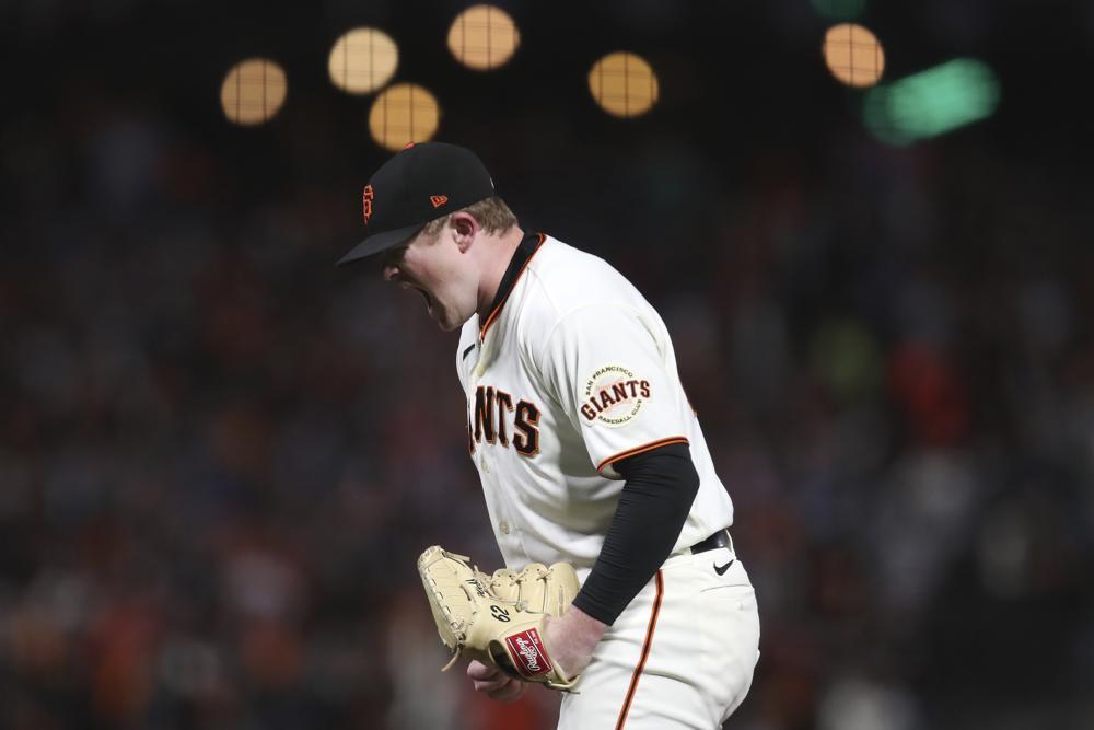 Gigantes blanquean a Dodgers; Medias Rojas apalean a Rays