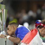 Francia gana Liga de Naciones con golazos de Mbappé y Benzema