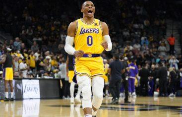 Lakers consiguen victoria en tiempo extra; Guerreros mantienen racha