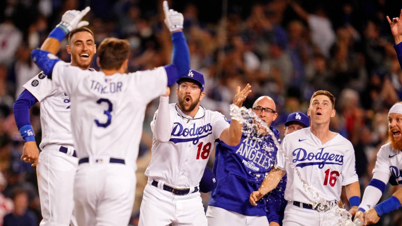 Dodgers dejan tendidos a Cardenales en juego de comodines