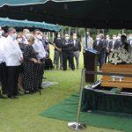 Sepultan restos de Hilda Caridad, madre del ministro Camacho