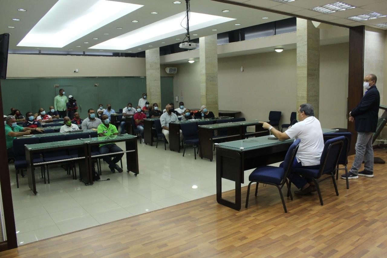Jefatura Misión Panam Junior se reúne con técnicos y entrenadores