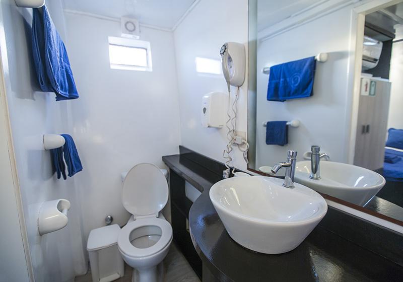 Bathroom monserrat