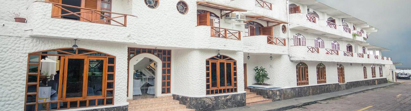 Lobo de Mar | Galapagos Hotel