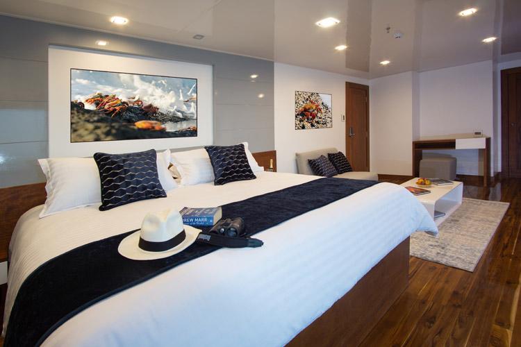 Bedroom infinity cruise