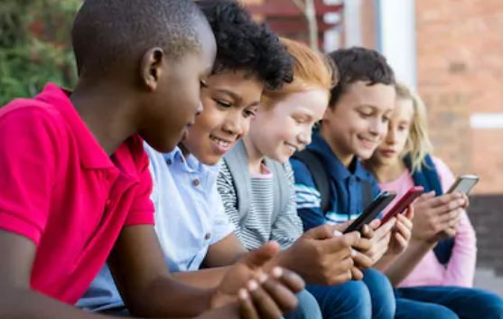 How Can Education Sector Benefit from Text Blast Marketing?