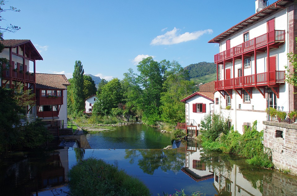 Bike Touring Story - First time cycling in Spain - saint jean pied de port