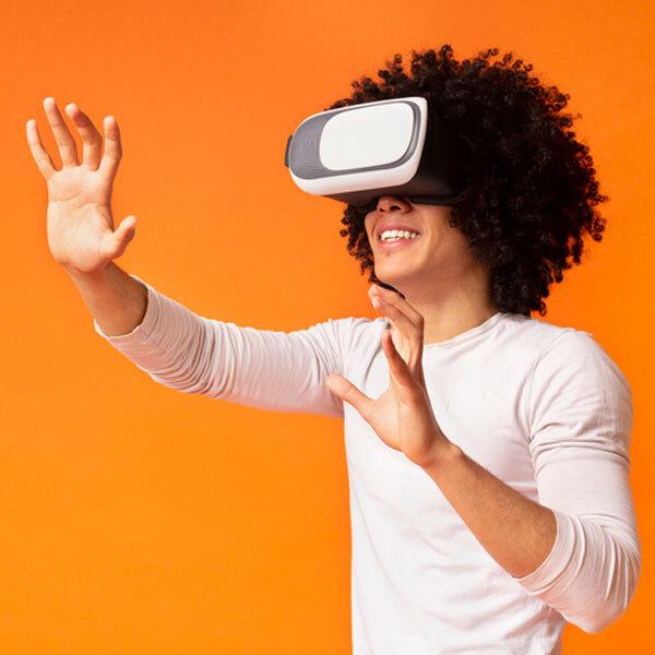 Virtual & Hybrid Experiences