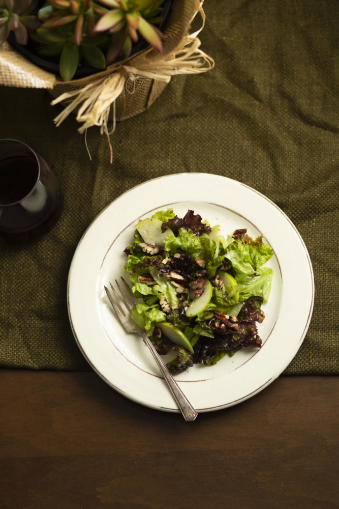 Fall green salad with Apples, pecans, & an extra virgin olive oil dressing