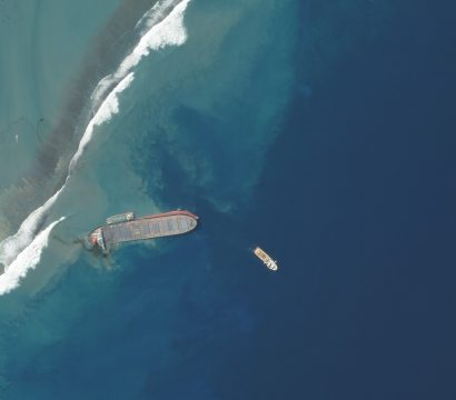 The MV Wakashio, a Japanese-owned ship, ran aground off the coast of Pointe d'Esny, Mauritius, and began leaking oil © 2020, Planet Labs Inc. All Rights Reserved.