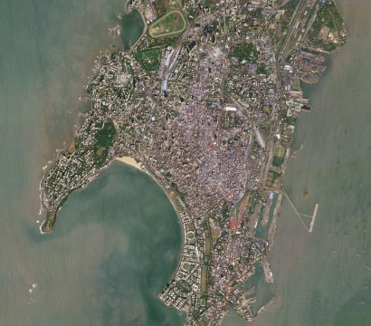 Mumbai City is the oldest district of Mumbai and home to the city's port, stadiums and many cultural institutions. © 2019, Planet Labs Inc. All Rights Reserved.