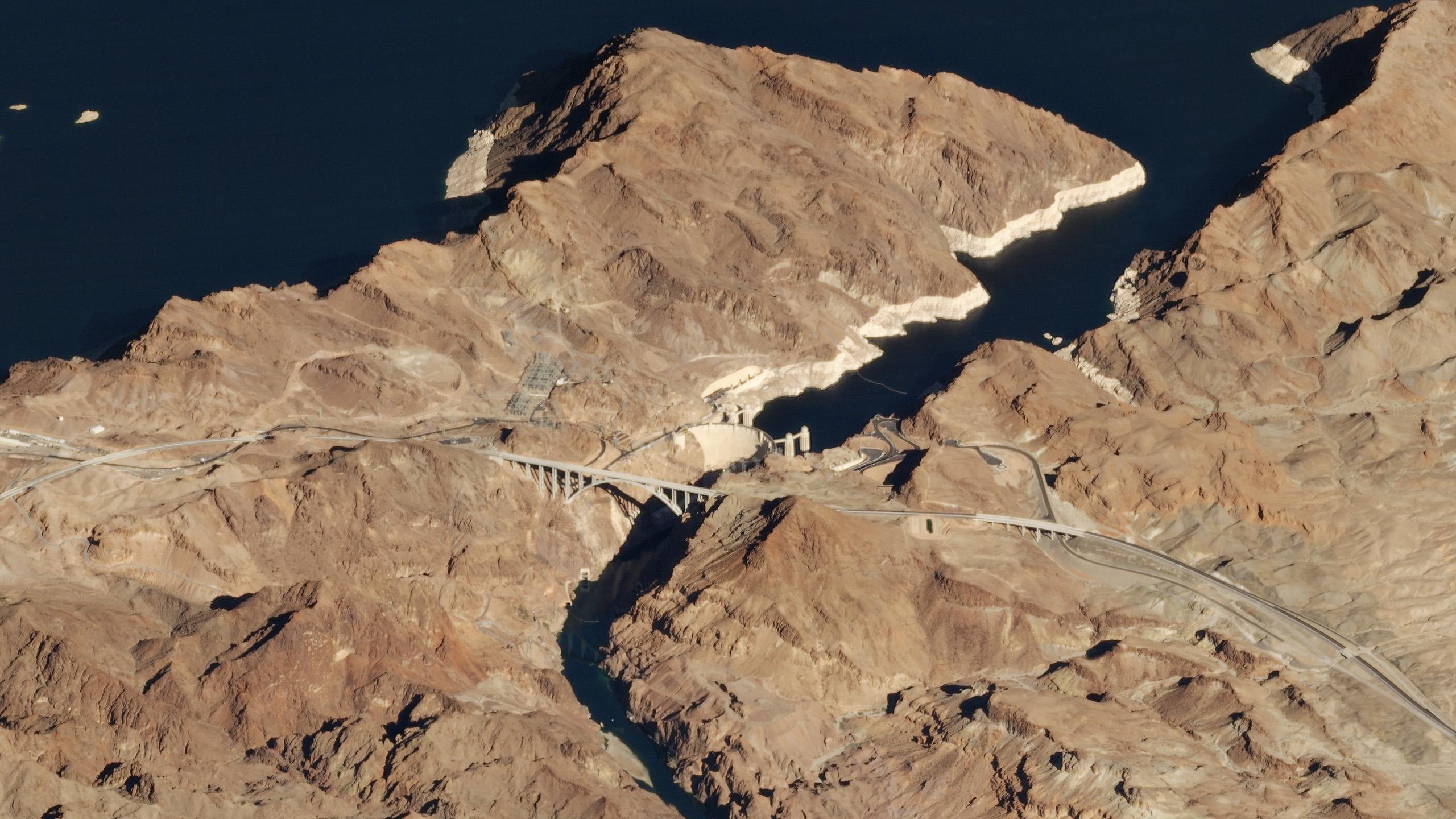 Una vista inclinada de la presa Hoover en Nevada.  © 2018, Planet Labs Inc.  todos los derechos son salvos.
