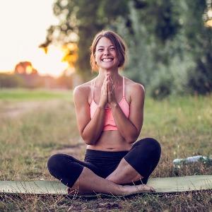 Yoga della Risata: il corso a distanza