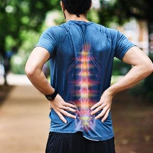 Rimetti in asse la tua colonna vertebrale senza attrezzi e da casa tua con esercizi di ginnastica posturale