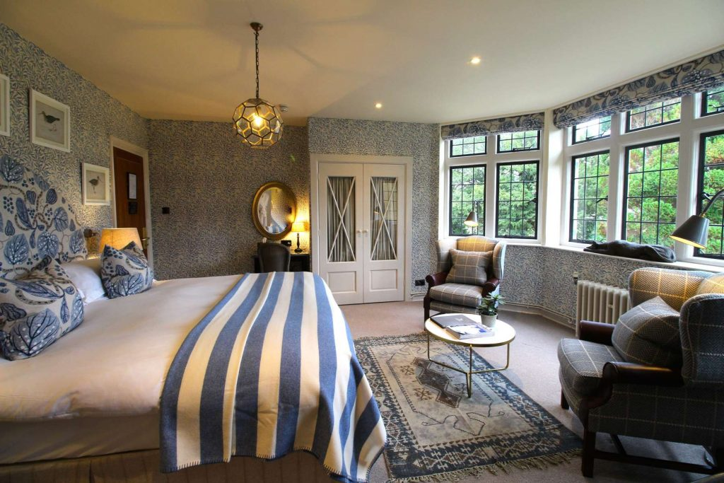Hare and Hounds feature bedroom